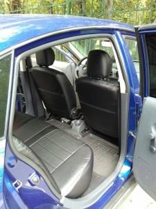 Nissan Almera (2)